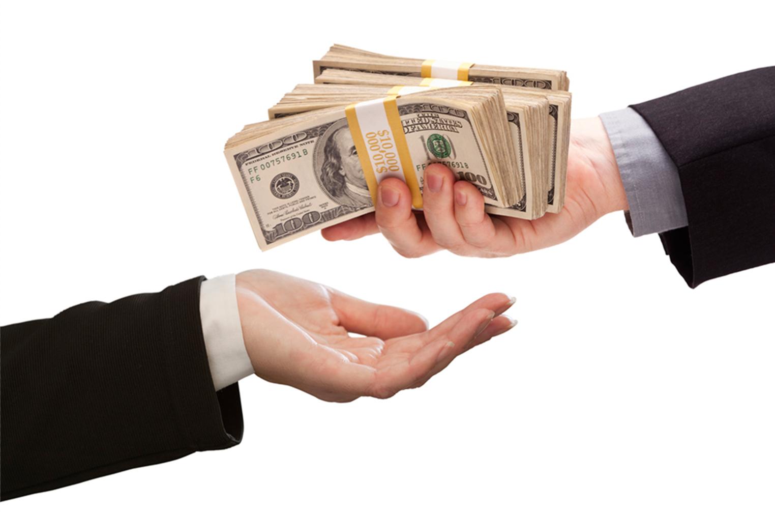 Картинки марта, картинки передача денег из рук в руки